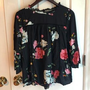 Old Navy flowery blouse